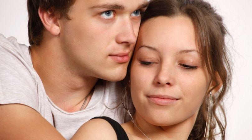 5 Zeichen, dass eine scheinbar nette Person grausame Absichten hat