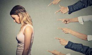 Das Schuld-Spiel von Narzissten: Warum es IMMER deine Schuld ist