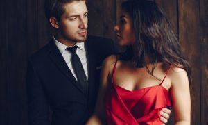 Was ein Narzisst von einem Partner braucht: 4 Dinge, die ihn anziehen