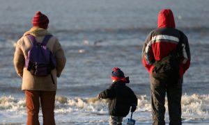 Wie emotional unreife Eltern, dauerhafte Auswirkungen auf ihre Kinder haben
