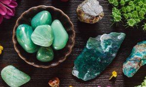 12 Arten von magischen Steinen für jedes Sternzeichen