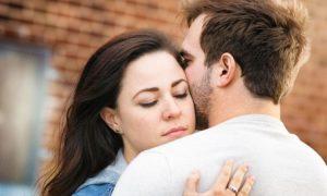 11 Verhaltensweisen in einer Beziehung, die unwahre Liebe offenbart