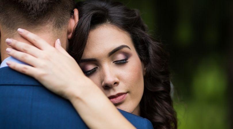 4 eindeutige Zeichen, dass dein Partner bereit ist für eine Beziehung