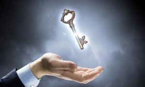 10 psychologische Tricks, die dir helfen können, den Schlüssel zu jedem zu finden