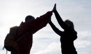 5 Möglichkeiten, um erstaunliche Menschen in dein Leben zu locken