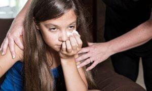 Wie man mit einem Narzissten zusammen ein Kind erzieht?