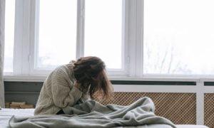 5 Gründe, warum sich Menschen nach dem Aufwachen immer noch müde fühlen, laut der Wissenschaft