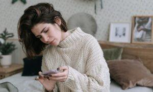 Forscher enthüllen 5 Gewohnheiten von Menschen, die ihre psychische Gesundheit verletzen