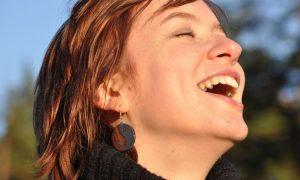 Strahle Positivität in deinem Leben aus, indem du diese magischen Zitate über Glück liest