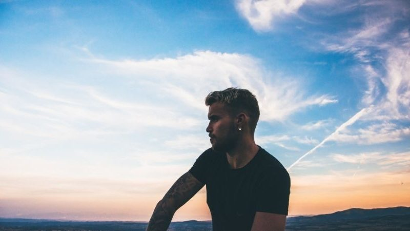 4 Verhaltensweisen eines Narzissten, die sein wahres Gesicht enthüllen