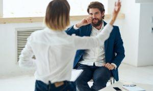 5 Wege, wie Pessimisten versuchen, dich zu Fall zu bringen (und wie du sie vermeiden kannst)