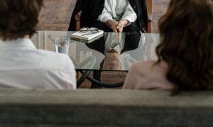 Sich von einem Narzissten scheiden lassen: Tipps, Mittel und was dich erwartet