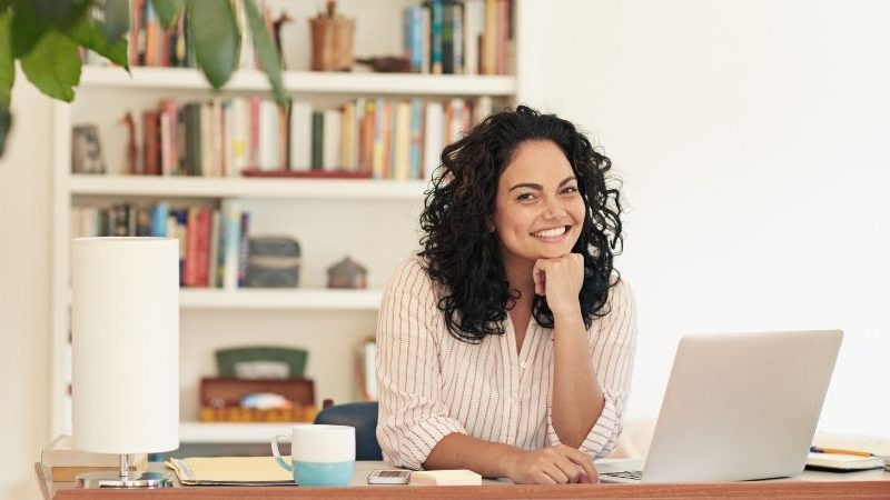24 positive Affirmationen, die dir helfen, positive Selbstgespräche und Selbstliebe aufzubauen