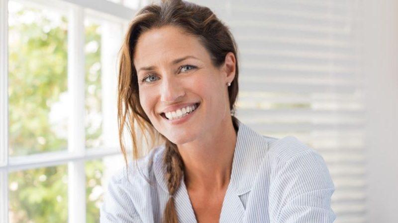 3 Möglichkeiten, deine Aura von negativer Energie zu reinigen