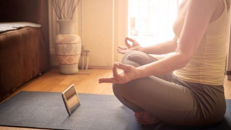 Angstzustände bekämpfen: Wie man meditiert, um Angstzustände zu lindern (in nur 5 Minuten)